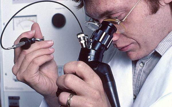 胃のなかに光を 世界で初めての胃カメラ開発秘話
