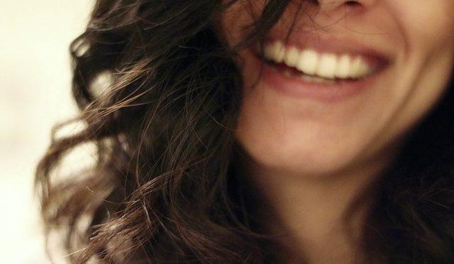 「笑い」でうつを吹き飛ばしてみよう! ドイツのコメディアンのうつ病に関する取り組み