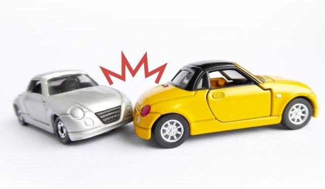 睡眠時無呼吸や睡眠不足の人は、眠気の自覚がなくても自動車事故のリスク増!?