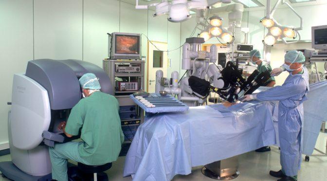 12種類の手術が保険適用に加わったロボット手術 ロボット手術は外科手術を変えるの?